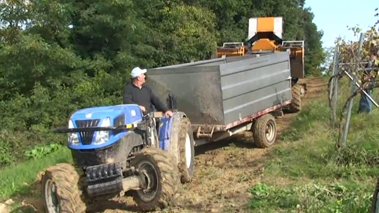 Azienda agricola di carlo vendemmia meccanizzata youtube for Pressa per tubi idraulici usata
