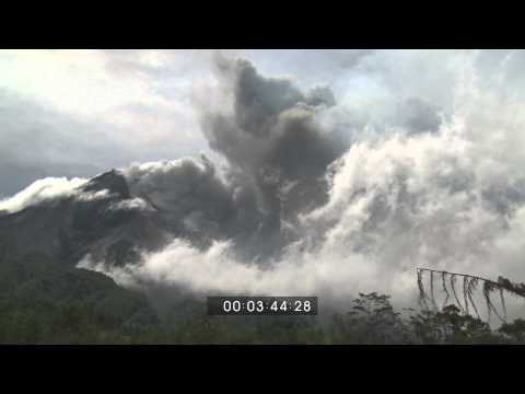 Full Version of Volcanic Eruptions at Merapi Volcano, 29th October 2010 - Screener