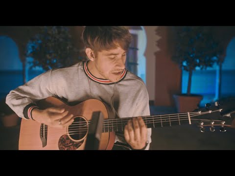 Damian Lynn - What Is It (Acoustic) /// Berlin Sessions