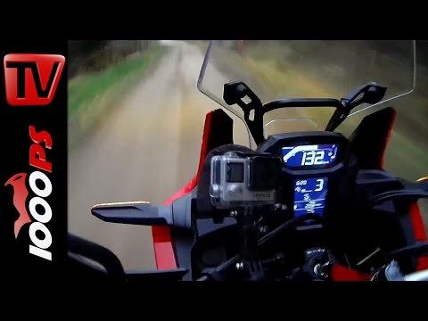 Honda Africa Twin 2016 | Offroad Wahnsinn - mit 150 km/h durch den Wald (Eng subs)
