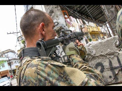 BOPE faz operação no Complexo da Penha para retirar barricadas - BCN News