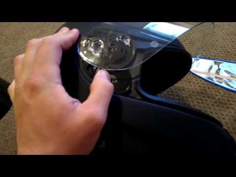 How to switch the visor on your HJC motorcycle helmet