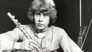 Arto Sotavalta & Olli Heikkilän orkesteri - Kapteeni Tom