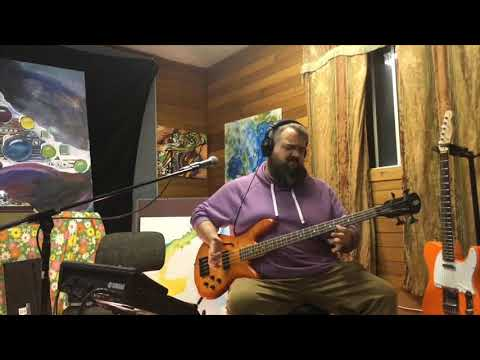 Play the bass - Stephen Lewis (Bass Players United)