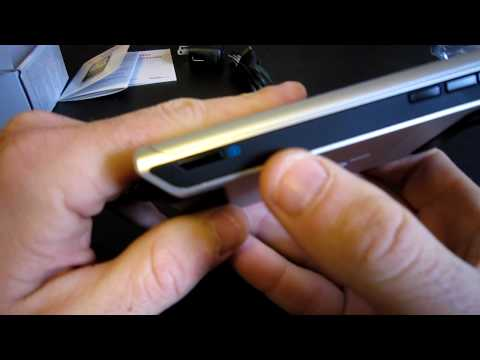 Verizon Motorola DEVOUR Review - Part 1 - Unboxing and first impressions (MobilityMinded)