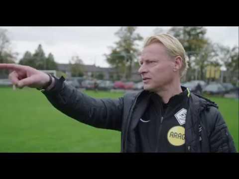 Kevin Blom kijkt mee met KNVB scheidsrechter Stefan!