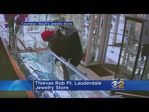 Jewelry Store Robbery On Video