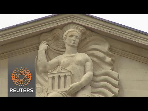 BoE warns banks as consumer debt spirals