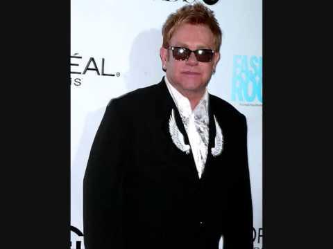 Elton John - Funeral For A Friend (Live BBC Radio 2 Concert 8/9/01)