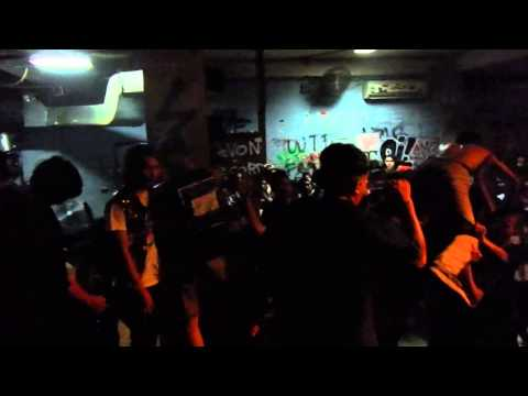 Straight Answer - We're coming back Here To stay fest ,Rossi Jakarta 01 08 2015