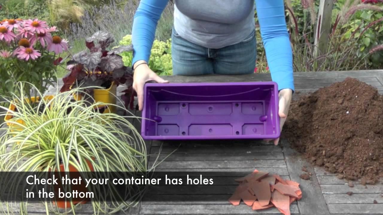 Una jardinera con flores para tu terraza youtube - Jardineras con plantas ...