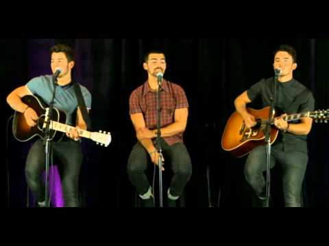 Get Lucky/Burnin' Up - Jonas Brothers Live Acoustic Performance for Kiss 108 Boston [22/07/2013]