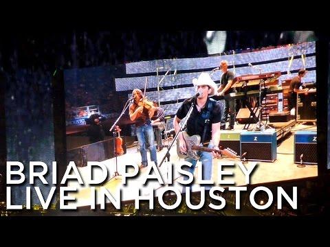 2011-03-19 'Brad Paisley' @ The Houston Rodeo & Livestock Show, Reliant Stadium, Houston, Texas, USA