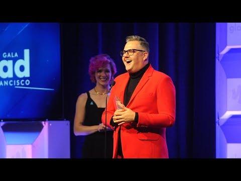 Ross Mathews accepts the Davidson/Valentini Award at the 2018 GLAAD Gala San Francisco