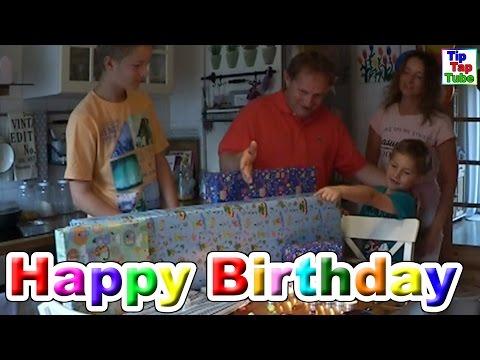 Geschenke auspacken Ashs siebter Geburtstag Happy Birthday Ash TipTapTube