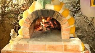 Haciendo pizza en horno de Barro Vivo Costa Rica!