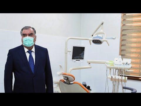Эмомали Рахмон посетил новую больницу в Бохтаре