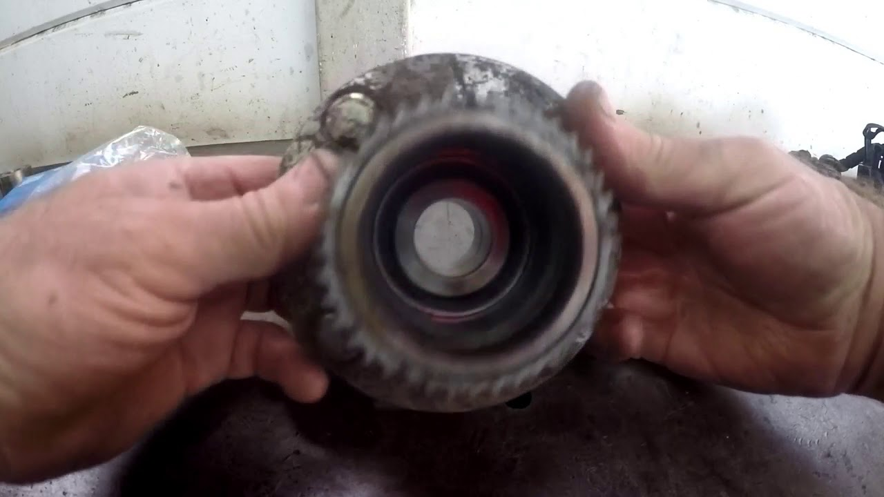Chev Aveo Rear Wheel Bearing Change Youtube