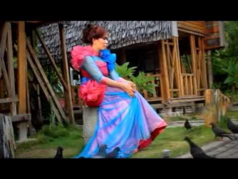 Devita Mohidin-Mama(Gorontalo)