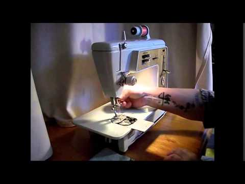 Singer 620 Golden Touch & Sew Deluxe Zigzag Sewing Machine Demo Video