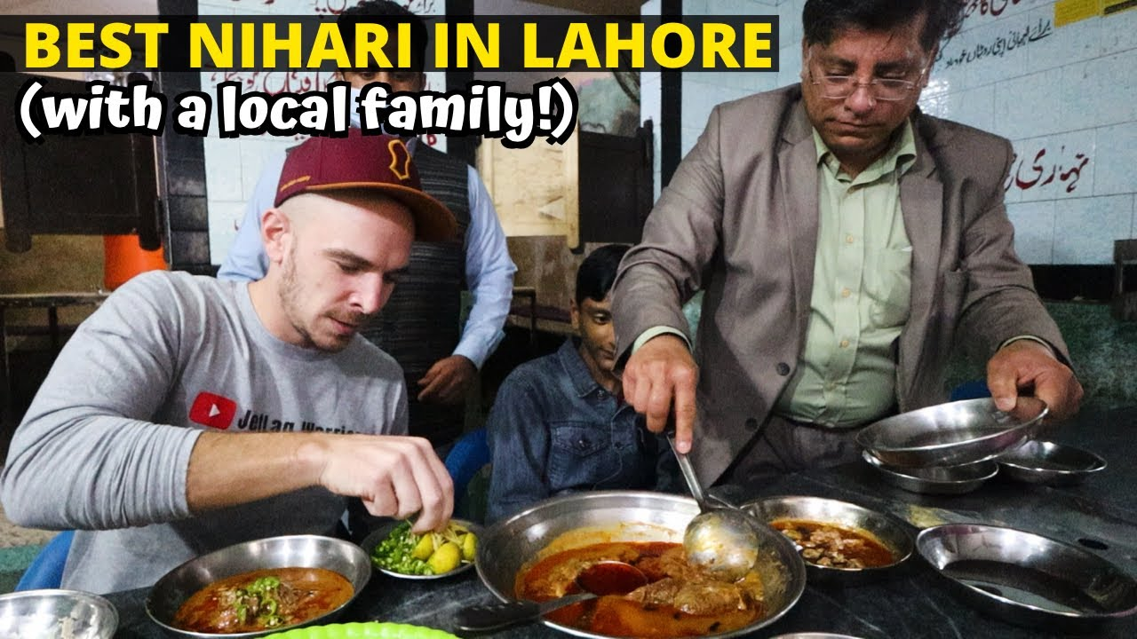 200 YEAR-OLD NIHARI SHOP inside the Walled City (Oldest in Lahore!) - PAKISTAN STREET FOOD TOUR