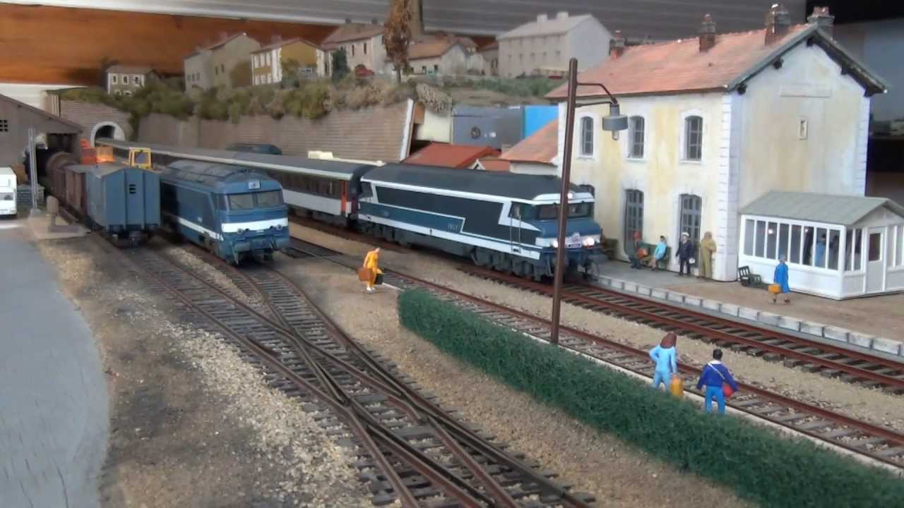 trains miniatures trafic ferroviaire en gare de derneville youtube. Black Bedroom Furniture Sets. Home Design Ideas