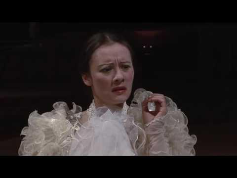 Peter Maxwell Davies: Miss Donnithorne's Maggot
