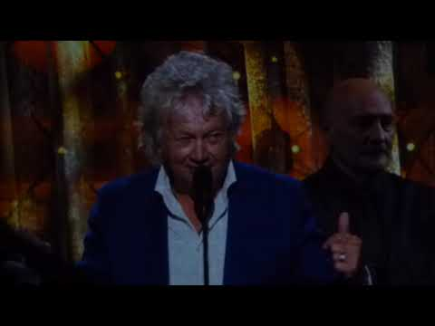ANN WILSON INDUCTS THE MOODY BLUES TO THE ROCK N ROLL HALL OF FAME 4-14-2018