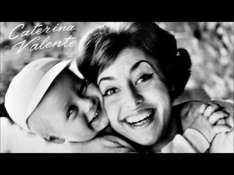 e03b5e17710 Caterina Valente - Piove (Ciao ciao bambina) - YouTube