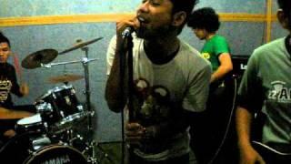 Gambar cover Hyper Insomnia - Rock Radio (endank soekamti cover) jamming session