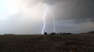 Severe Storms Produce Vivid Lightning Over Minnesota - 4/5/2021