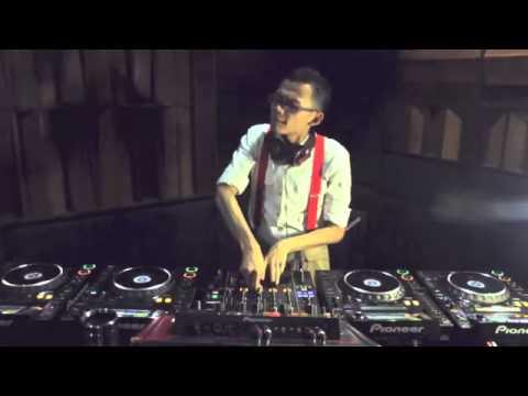 DJ PUCUY The Winner Of Pionner Digital DJ Battle ASIA 2012