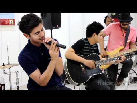 Hanya Dirimu - Volume Live Performance 711 Ahmad Dahlan