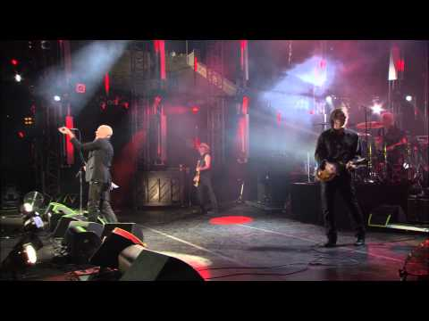 "R.E.M. - ""Losing My Religion"" (LIVE @ Athens)"