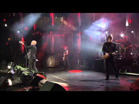 "R.E.M. - ""Losing My Religion"" (LIVE @ Athens)"