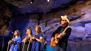 Amos Lee & The Quebe Sisters, Sweet Pea  (Bluegrass Underground)