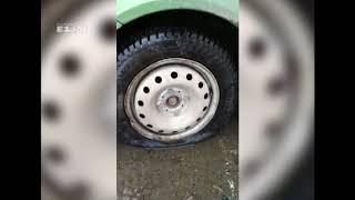 Водитель пробил три колеса на Автомагистральной