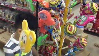 Đi Siêu Thị Mua Trứng Khổng Lồ , Mua Kẹo Mút Hình Doremon Chuột Micky