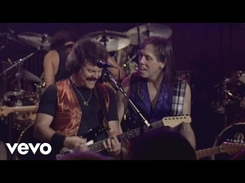 The Doobie Brothers - Long Train Runnin' (Live)