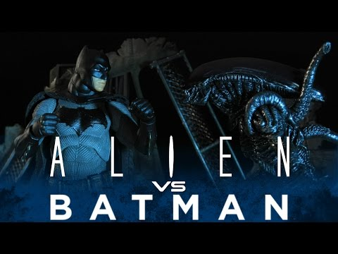 BATMAN VS ALIEN - STOP MOTION