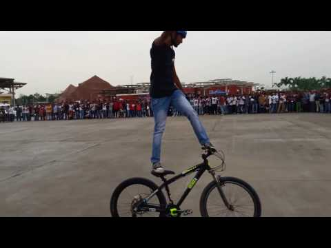 Stunts of Bikes,Scootey&Cycle