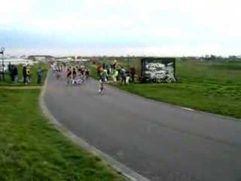 Hillingdon 10407 4th cat sprint crash