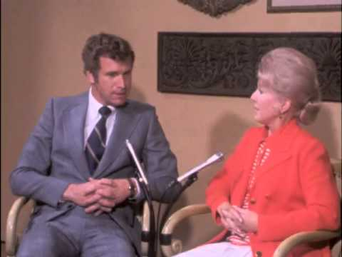 Bette Rogge s Wayne Rogers, star of the TV series