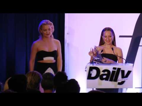 Kate Hudson presenting Jewelry Designer of the Year to Jennifer Meyer