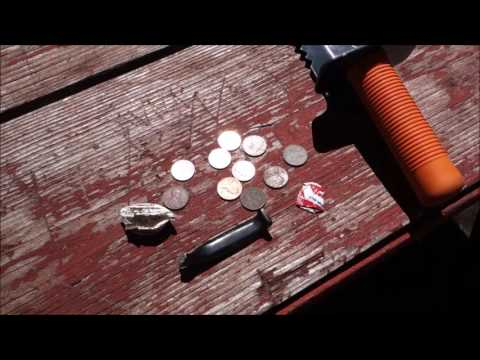 metal-detecting:-coin-hunting-the-local-park-with-the-wife