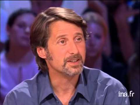Interview d'Antoine de Caunes et de Luc Barruet - Archive INA