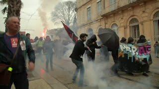 Une manifestation anti-macron dégénère à montpellier, 43 personnes encore en garde à vue