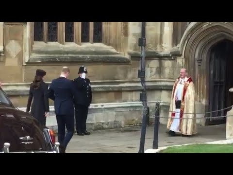 Duke & Duchess Of Cambridge  PROTOCOL Slip Arriving AFTER The Queen At Easter Sunday Service