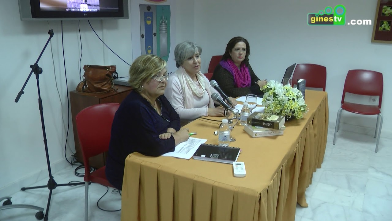 Ángela Cantón presentó en la Casa del Mayor de Gines su libro 'Compartamos un secreto'