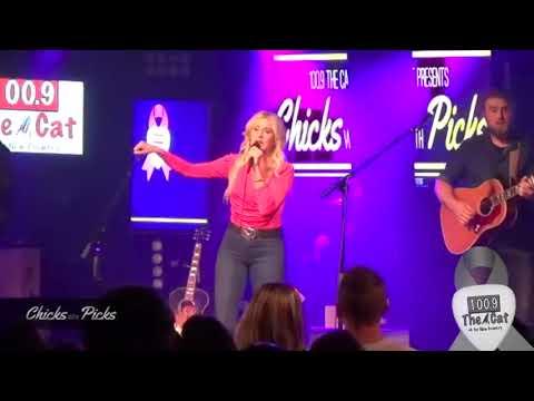 100.9 The Cat's Chicks With Picks - Stephanie Quayle